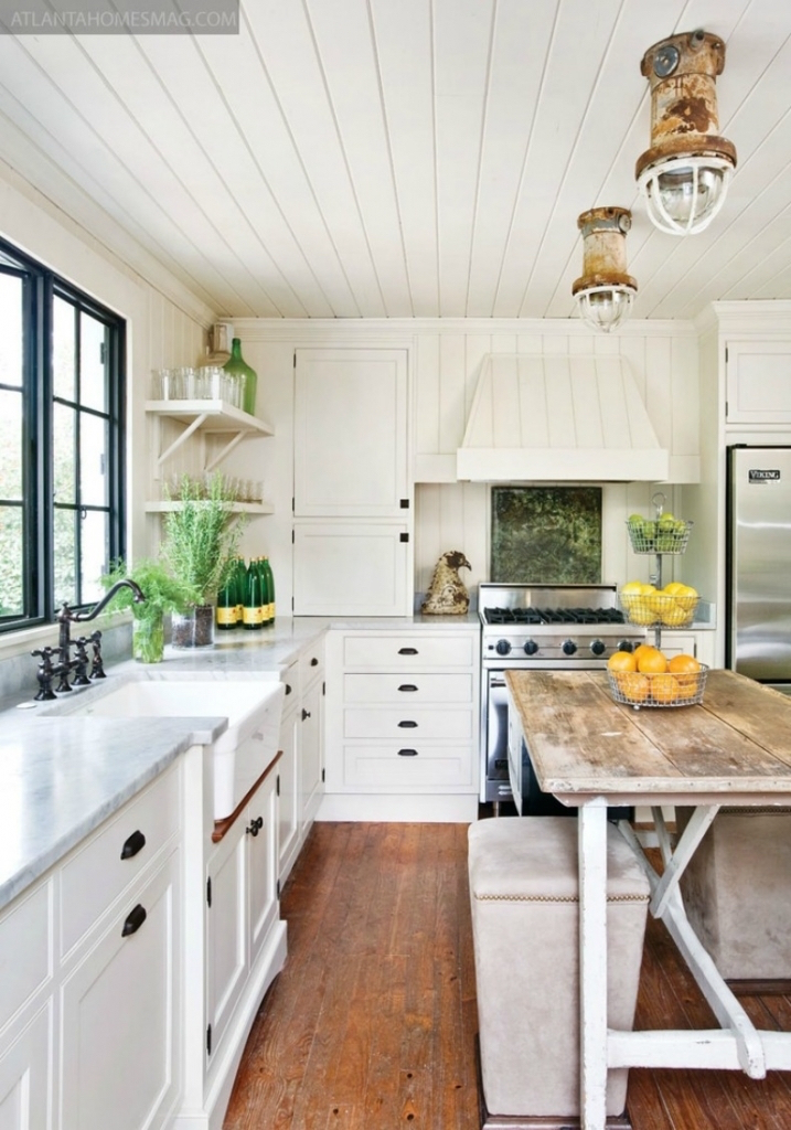 20 amazing beach inspired kitchen designs interior god for Beach cabin designs
