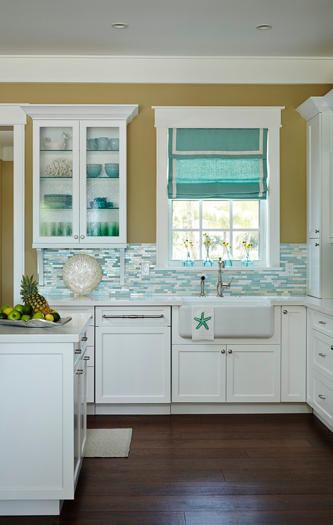 20 Amazing Beach Inspired Kitchen Designs