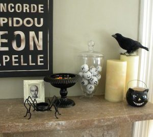 19 Classic Minimal Halloween Decor Ideas