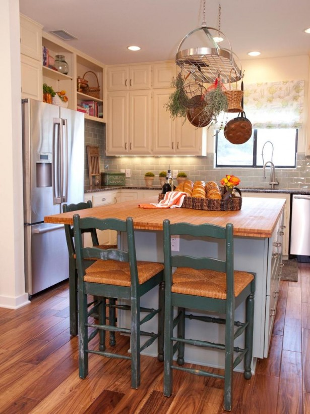 Rustic Green Kitchen Island Design