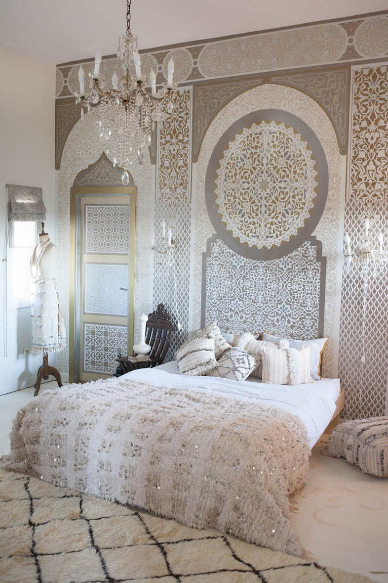 40 relaxing moroccan bedroom designs interior god. Black Bedroom Furniture Sets. Home Design Ideas