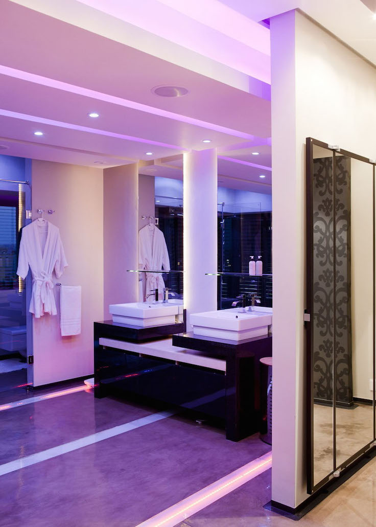 Luxury Purple Bathroom Interior Decorating Ideas