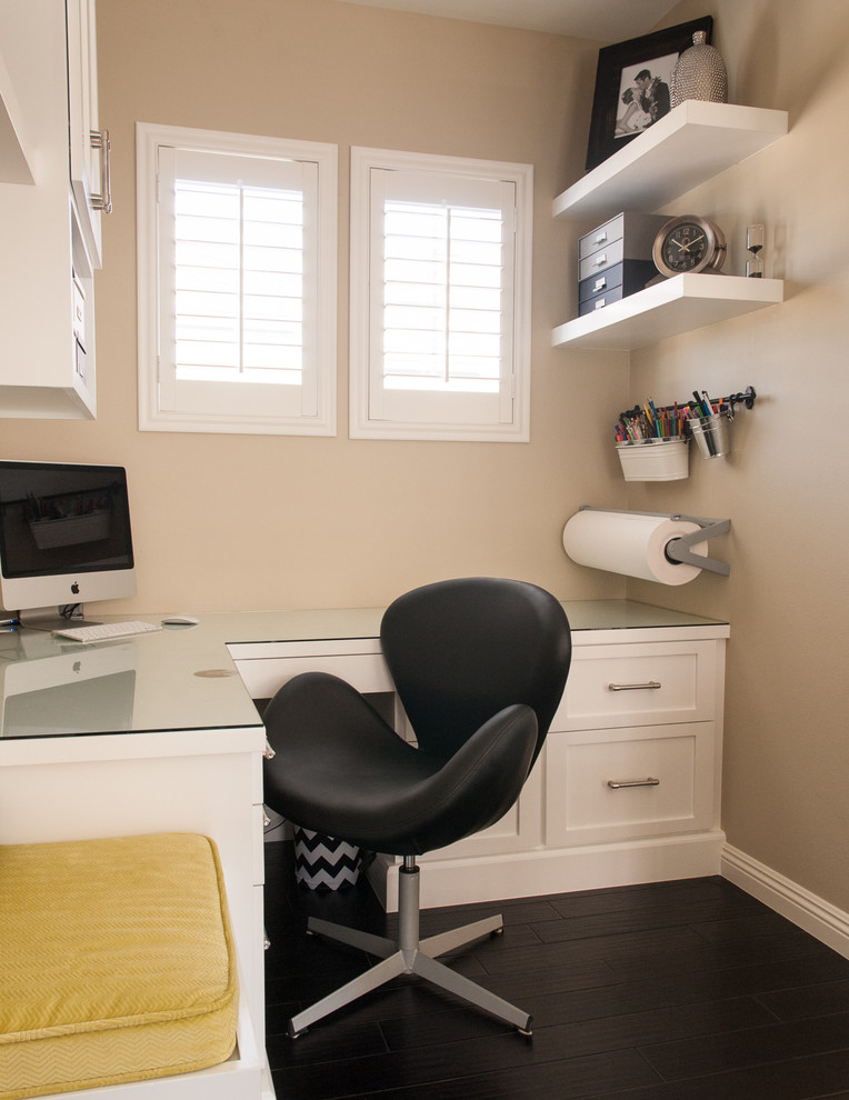 practical layout for a very small home office
