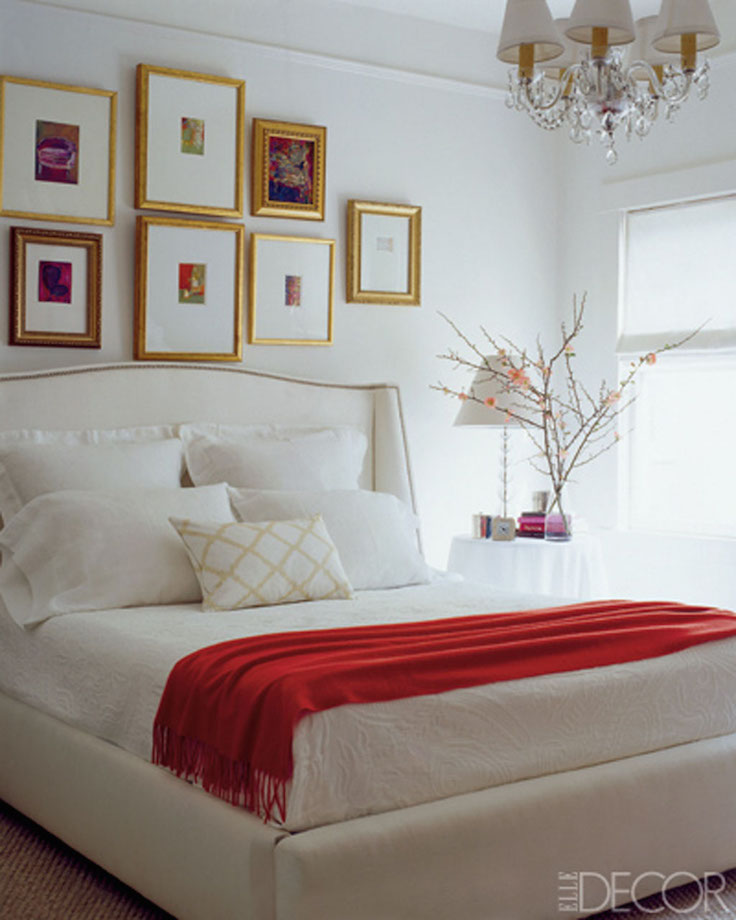 17 Elegant Black,White And Red Bedroom Design Ideas
